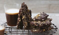 Chocolate Bark : Annabel Langbein : The Home Channel - interesting recipe with the black pepper! Chocolate Bark, Chocolate Recipes, Just Desserts, Dessert Recipes, Sweet Recipes, Easy Recipes, Lemon Recipes, Healthy Recipes, Whole Foods