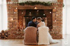 Industrial Winter Wedding / Nuntă industrială de iarnă - Sedință foto inspirațională - PAPIRA King Comforter Sets, Queen Bedding Sets, Wedding Fireplace, Holly Willoughby Bedding, Luxury Bedding, Modern Bedding, Cozy Bed, Bed Styling, Cozy Blankets