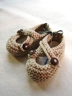 baby booties; I'd like a pair in a grown up size please! :) Cute!