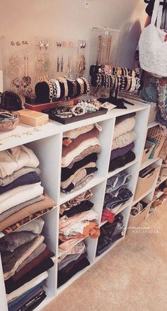47 Cute Diy Bedroom Storage Design Ideas For Small Spaces. nice 47 Cute Diy Bedroom Storage Design Ideas For Small Spaces. Under the bed storage systems are also ideal for storing items not used on a normal basis in order for […] Organizar Closet, Cube Storage, Storage Hacks, Storage Organization, Storage Design, Storage Solutions, Makeup Storage, Organization For Clothes, Clothes Storage Ideas Without A Closet