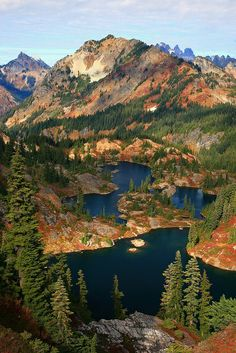 Rampart Lakes Fall Alpine Lakes WA
