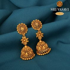 Best Gold Earrings - From Basic Studs To Bold Jhumkas! • South India Jewels Gold Jhumka Earrings, Jewelry Design Earrings, Gold Earrings Designs, Gold Drop Earrings, Gold Necklace, Gold Ring Designs, Gold Bangles Design, Gold Jewellery Design, Gold Earrings For Women