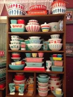 52 Vintage Dishes to Inspire Your Next Thrift Store Trip . My Pyrex display. A small portion of my collection. My Pyrex and vintage dishes decorated with vintage elves for the holidays. Pink and aqua Pyrex, Pink and other colored Cath Pyrex Vintage, Vintage Kitchenware, Vintage Dishes, Vintage Glassware, Vintage Tins, Pyrex Display, Vintage Love, Vintage Decor, Retro Vintage