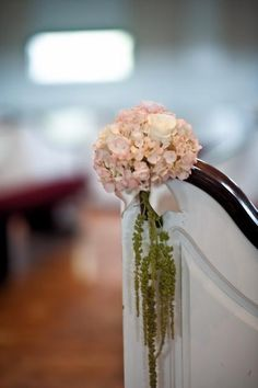 Pink and green pew decoration Pew Decorations, Wedding Decorations, Oahu, Corporate Events, Pink And Green, Blush Pink, Real Weddings, Centerpieces, Ivory