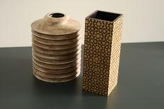 Alte Holzgefässe neu erzählt! Vase, Home Decor, Timber Wood, Decoration Home, Room Decor, Jars, Vases, Interior Decorating, Jar