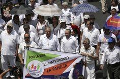 Iglesia respeta comunidad gay, pero defiende matrimonio heterosexual