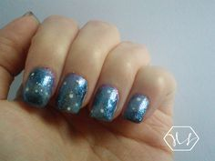 Winter Galaxy nail art, by Anid Harker on Hearty Nails.