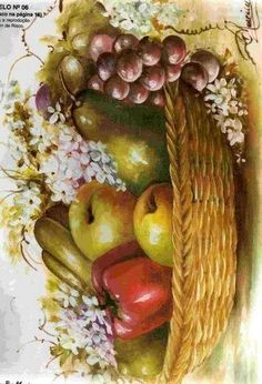 canasta con frutas y flores.