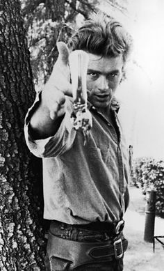 Classic James Dean - in this picture, to me, he is a mix of Clint Eastwood and James Franco! kn