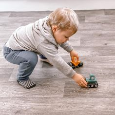 Our Wiltshire Stone Oak Vinyl is a great option for busy family homes 🙌 Highly durable, easy to maintain and a great play surface for your little ones 👪 📷 dream1ncolour 🛒 Order your Free Samples today #Vinyl #VinylFlooring #FamilyHome #Flooring #Interior #InteriorDesign #Flooring #FlooringTrends #WoodFlooring #EngineeredWood #Home #Interiors #Interior #Laminate #Vinyl #Lvt #Carpet #Carpets #InteriorDesign #Decor