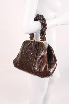 34379f034 Vintage 40's Alligator Handbag at Rice and Beans Vintage Women's Handbags, Vintage  Handbags, Crossbody
