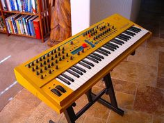 MATRIXSYNTH: Yellow WALDORF Q ANALOG MODELING WAVE TABLE SYNTHE...
