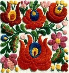 Mám ráda folklórní motivy a pestré barvy. Nejvíc ve výšivce. A tahle výšivka je nejvíc! Asi bych vážně moc chtěla (umět) vyšívat. Ubrousky ...