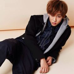AKMOST DIE ~~~ CAN SOMEBODY HELP FOR STOP LOVING HIM??~~HAGHAGHGHAGAGHA I'M CRAZY