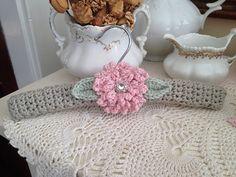 Ravelry: FrontPorchKnits' Ruffle Rose Nursery Hanger Crochet Cozy, Crochet Bear, Crochet Gifts, Cute Crochet, Baby Blanket Crochet, Crochet Dolls, Padded Coat Hangers, Crochet Stitches, Crochet Patterns