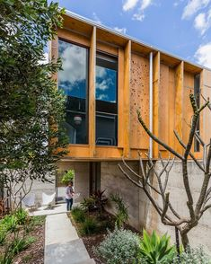 @lake_architects Redfern Street, North Perth. @openhouseperth #architecture 🌞 Perth, Brisbane, Architects, Floors, Landscaping, Cabin, House Design, Street, House Styles