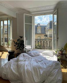 Dream Home Design, My Dream Home, Dream Rooms, Dream Bedroom, Dream Apartment, Parisian Apartment, Aesthetic Room Decor, My New Room, House Rooms