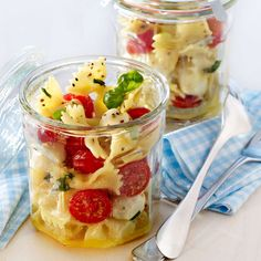 """Pasta salad """"Italia"""" Up to 30 minutes uncomplicated - Seafood Recipes Fruit Salad, Seafood Recipes, Pasta Salad, Entrees, Breakfast Recipes, Oatmeal, Salads, Pudding, Desserts"""