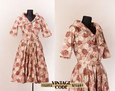Beige Floral 50s Horrockses Cotton dress  / Floral  print 50s Shirt Dress / Big collar 1950s dress / Cotton Ballgown /  size Medium