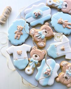New Teddy bear baby shower themed cookies🐻👶🏻 royalicingcookies babyshowercookies bearcookies sydney sydneypartysydneyevents… 282952789073830613 Baby Boy Cookies, Teddy Bear Cookies, Teddy Bear Party, Baby Teddy Bear, Teddy Bear Baby Shower, Baby Shower Cupcakes, Shower Cakes, Teddy Bears, Bear Baby Showers