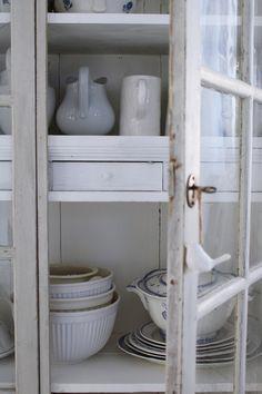 JuliaKs blogg – Julias vita drömmar – Metro Mode Cottage Living, Kitchen Styling, Scandinavian Style, Kitchenware, Kitchen Design, Shabby Chic, Storage, Farm House, Interior