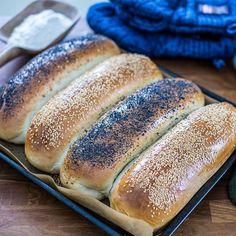 """Fredrik Nylén on Instagram: """"Baka fyra formfranskor på en och samma gång 😍 Det här brödet brukar jag även skiva upp och ha som rostbröd 😋 Receptet hittar du på länken i…"""""""