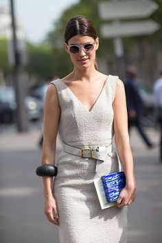 A classic shift dress with v-neckline and structured waist, flatters a pear. Street Style: Paris Fashion Week Spring 2014 - Hanneli Mustaparta in Miu Miu with an ACNE clutch Spring Street Style, Street Style Looks, Street Chic, Love Fashion, Fashion Models, Spring Fashion, Paris Fashion, Fashion Designers, Street Fashion