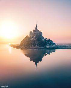 Le Mont-Saint-Michel in Normandy, France Le Mont St Michel, Best Vacation Destinations, Normandy France, Provence France, Visit France, Landscape Illustration, Illustration Art, Travel Abroad, France Travel