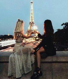 Paris//amigas Pinterest:@duda