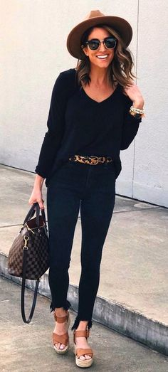 8abce53e1b6 #spring #outfits black blouse and black skinny jeans Black Blouse, Black  Jeans Outfit
