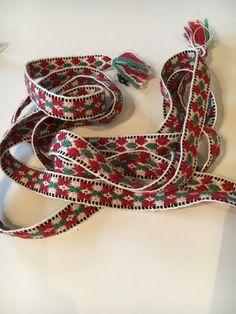 Vest-Agder bunad | FINN.no Friendship Bracelets, Weaving, Vest, Norway, Band, Accessories, Jewelry, Fashion, Moda