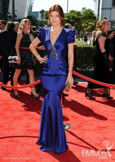 Lake Bell at the #Emmys We love Lake but not loving this blue dress. What do you think?