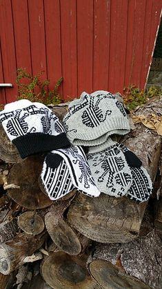 Ravelry: Strikkekino settet pattern by Line Eriksen Burlap Wreath, Ravelry, Wreaths, Texture, Knitting, Pattern, Crafts, Design, Home Decor