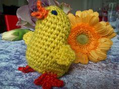 Påske   Hæklet påskekylling   I min optik har en kylling ikke hanekam, i hvert fald ikke i virkeligheden ;-)   men det bliver selvfølgelig...