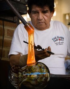 This is amazing!!!  I can't believe I get to see and learn the process of Murano glass-blowing!