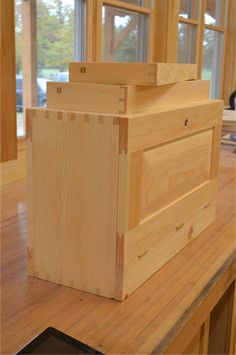 Old tool boxes I suppose I know more about tool chests and such than most people might, mostly because all the craftsmen I worked with as a teenaged apprentice used simple joiner's tool chests and …