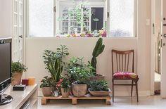 Você ama plantas, mas não tem um espaço adequado para elas? Depois de conferir estes pequenos oásis, verá que é possível cultivá-las em qualquer cantinho, dentro ou fora de casa.