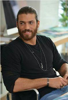 Can Yaman in Erkenci Kus en 2019 Beautiful Men Faces, Beautiful Boys, Gorgeous Men, Turkish Men, Turkish Actors, Casual Summer Outfits For Women, How To Look Handsome, Male Model, Hot Actors