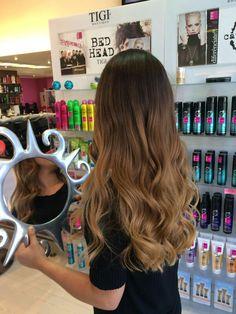8 visitors have checked in at Pepe Hair Design. Brown Hair Balayage, Brown Blonde Hair, Light Brown Hair, Hair Color Balayage, Hair Highlights, Ombre Hair, Hair Color Caramel, Gorgeous Hair Color, Honey Hair
