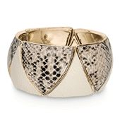 mark. #love...animal prints. Period! #Snake stretch bracelet  To view my current Avon brochure:  Click here:  http://www.avon.ca/shop/en/avon-ca-next/brochure-list?BP=V5vFbOSlApk%3d  https://www.facebook.com/avonformakeup  https://www.interavon.ca/elisabetta.marrachiodo