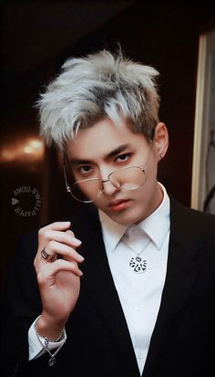 Read No shame he's my babe from the story KPOP WALLPAPERS by QueenJin (House of Hoes) with 451 reads. Baekhyun, Park Chanyeol, Kris Wu, Kpop Exo, F4 Boys Over Flowers, Rapper, Huang Zi Tao, Kim Minseok, Wu Yi Fan