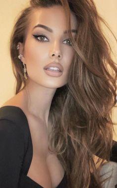 Most Beautiful Faces, Beautiful Women Pictures, Beautiful Person, Blonde Beauty, Beauty Skin, Hair Beauty, Tree Woman, Hidden Beauty, Beauty Portrait