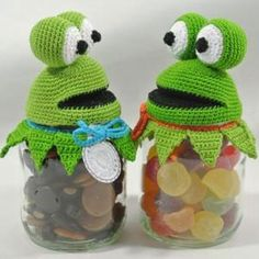 Crochet Frog, Crochet Patterns Amigurumi, Crochet Home, Diy Crochet, Crochet Jar Covers, Diy Quiet Books, Frog Crafts, Crochet Embellishments, Cute Frogs
