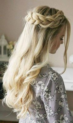 Are you looking for straight hairstyles curly hairstyles wavy hairstyles layers hairstyles for New Years? See our collection full of straight hairstyles curly hairstyles wavy hairstyles layers hairstyles for New Years and get inspired! #homecominghairstyles