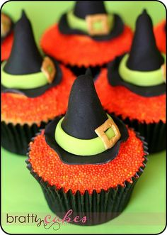 Witch hat cupcakes! (pic only) ✘♥✘♥ #food #recipes