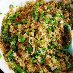 Cilantro Lime Quinoa - A tasty new spin on quinoa recipes, this is the perfect healthy side dish for your favorite Mexican meal as an alternative to rice.