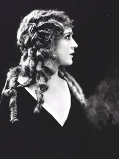 Mary Pickford in Photoplay Magazine, June 1921