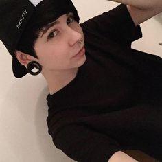 famous anni cosmos - hair black. -tomboy  <3