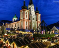 Advent in der Steiermark Advent, Mansions, House Styles, Baking, Cravings, Home Decor, Christmas, Nice Asses, Easy Biscuits