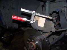 Wechsel Bremse Vorderachse 1,5 dci (TRW Bremse) - Einbauanleitungen @ Dacianer.de - die Community für Dacia-Fahrer